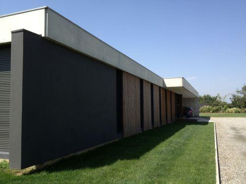 Maison moderne avec piscine a Lavernose Lacasse